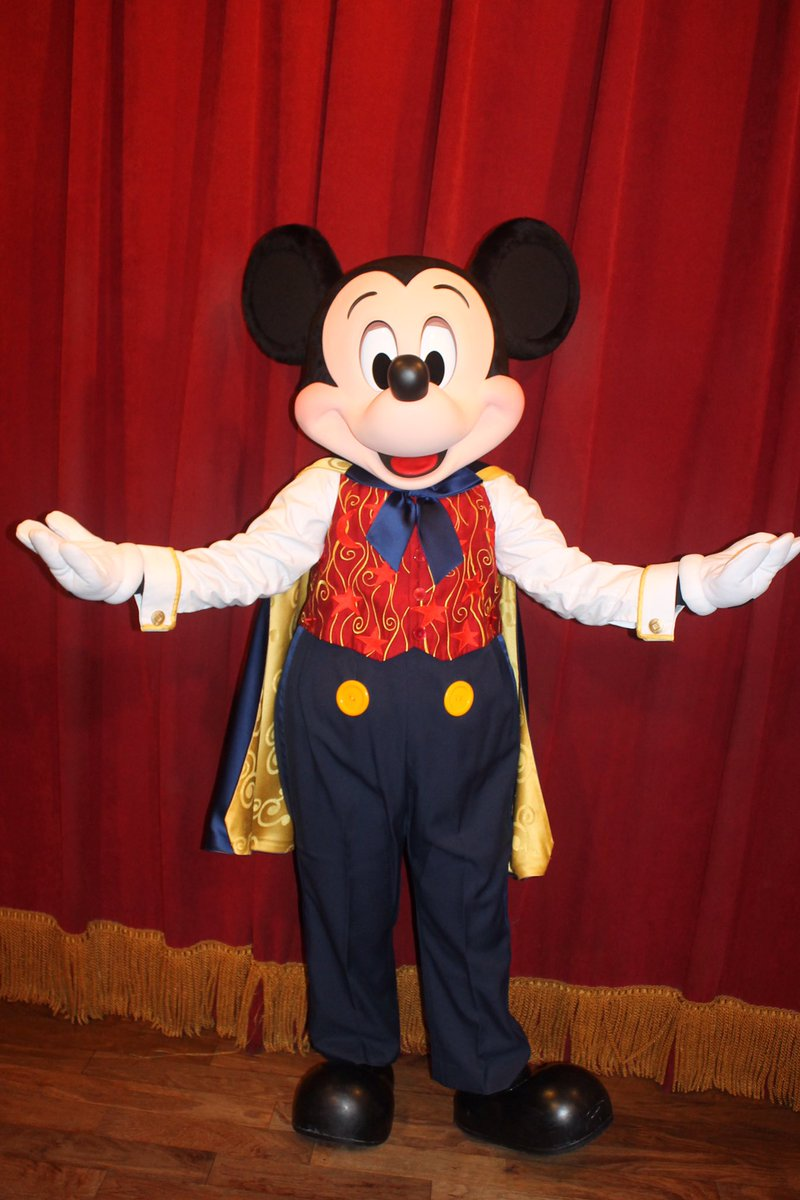 Disneycharacterguide on twitter look whos talking mickey mouse disneycharacterguide on twitter look whos talking mickey mouse sports a change over on main street usa at mk disneyworld wdw disney mickeymouse m4hsunfo