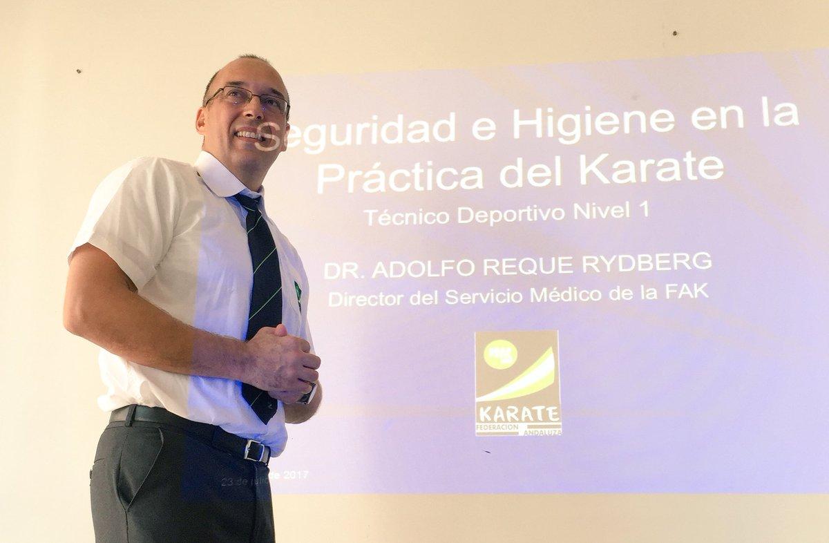 Resultado de imagen de entrenadores deportivos karate