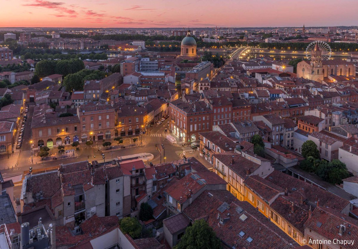 Good night #Toulouse... Picture Antoine Chapuy <br>http://pic.twitter.com/tCk4hntD5v