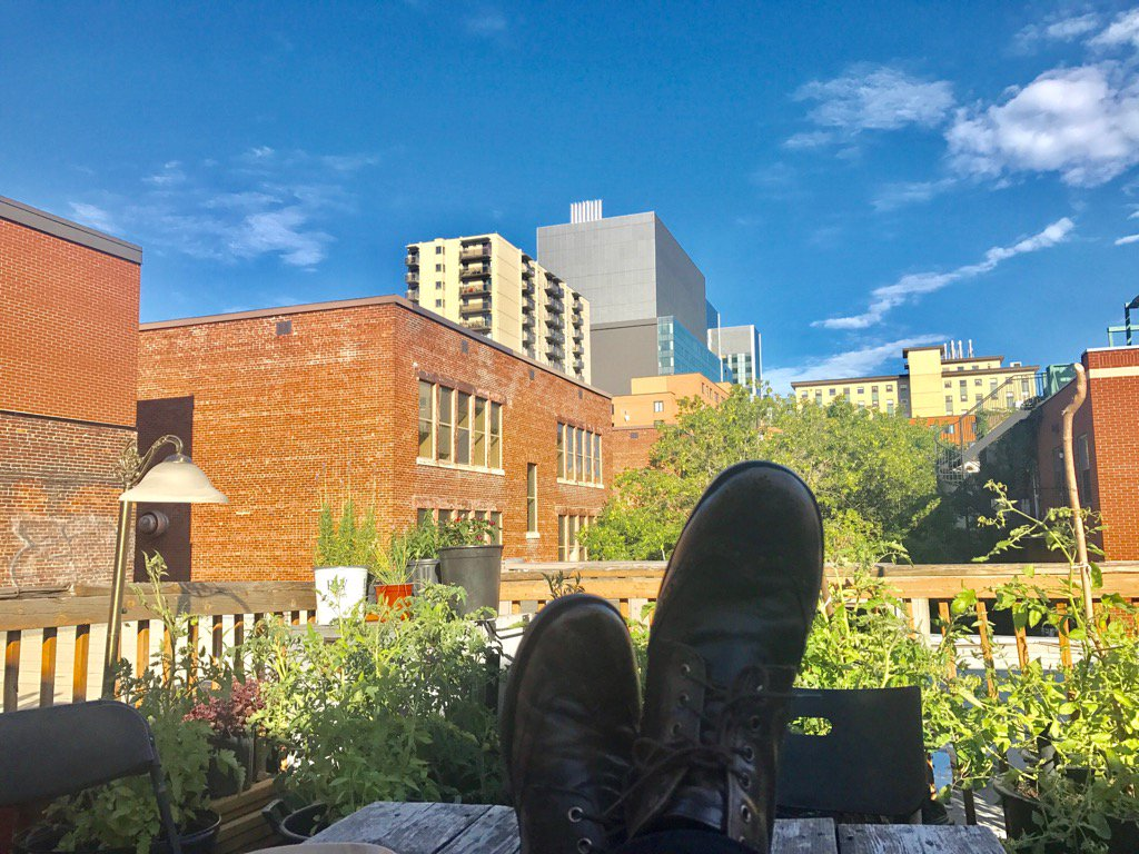 I'm going to use the word chilling. Yes. So here we go. Ahem. Chilling on the roof of @TheatreSteCat before my show. https://t.co/IN0DD37LBX