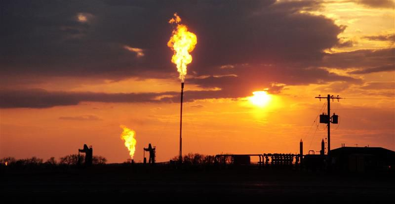 An #environmental disaster in waiting. US @Interior rushes drilling permits. @EPA ignores #methane rules:  http:// bit.ly/2tlXM5G  &nbsp;  <br>http://pic.twitter.com/cmxCuAW4tW