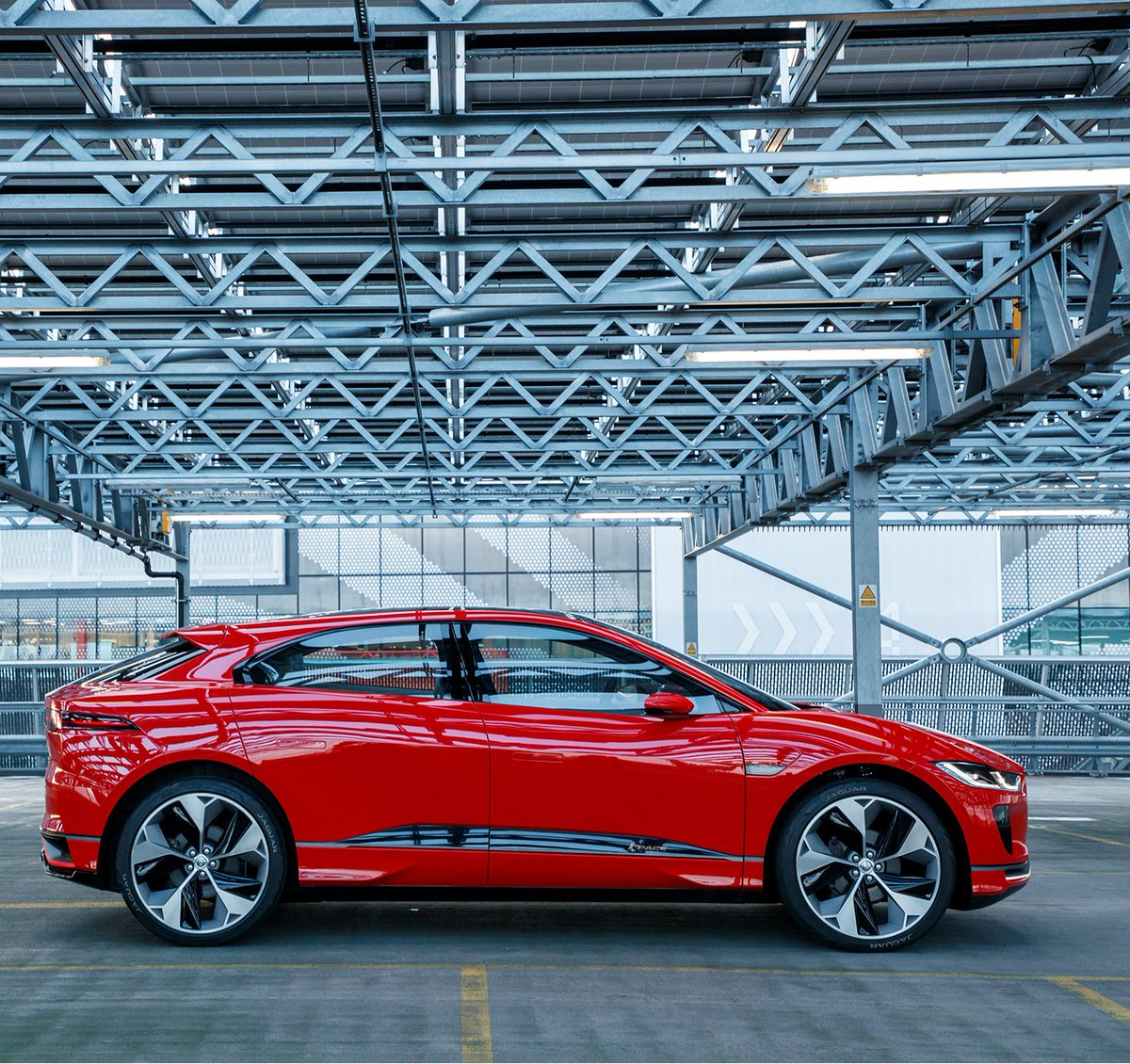 Distinguish yourself. #IPACE https://t.co/1s3TMqLRN8   When designing electric vehicles, you can throw out the rulebook. https://t.co/SqZlhl6aqI