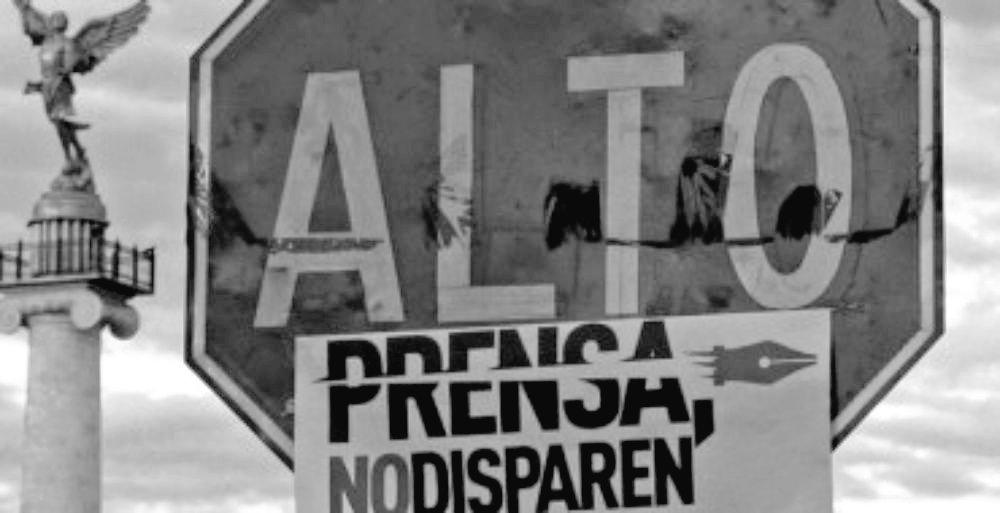 Threatened #Journalists: gunshots in #Tabasco, threats in #Quintana Roo &amp; #MéxicoCity  http:// bit.ly/2tjACbV  &nbsp;   v. @OaxacanewsENG @dwatchnews<br>http://pic.twitter.com/Ub5Nz632c5