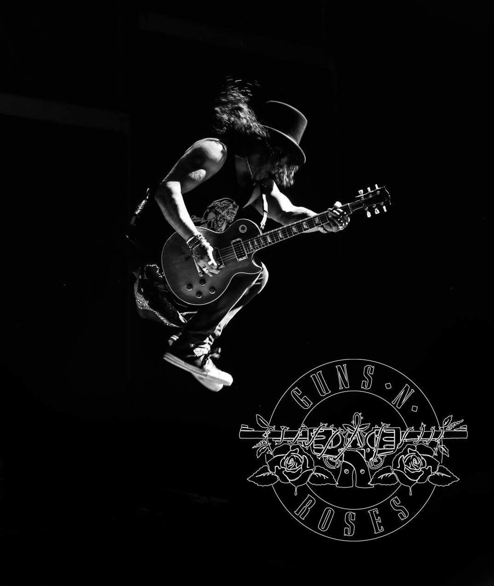 Hey #Rockers  it&#39;s #SlashBirthday today, the man with the finest fingers on #Gibson ! #GunsNRoses<br>http://pic.twitter.com/M5GYhnSaW2