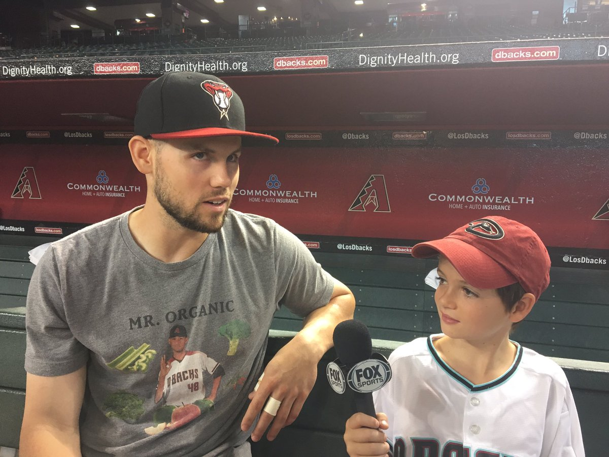 Our #KidKaster Eddie got to talk to Chris Owings today! Watch his interview on @Dbacks Live coming up next.