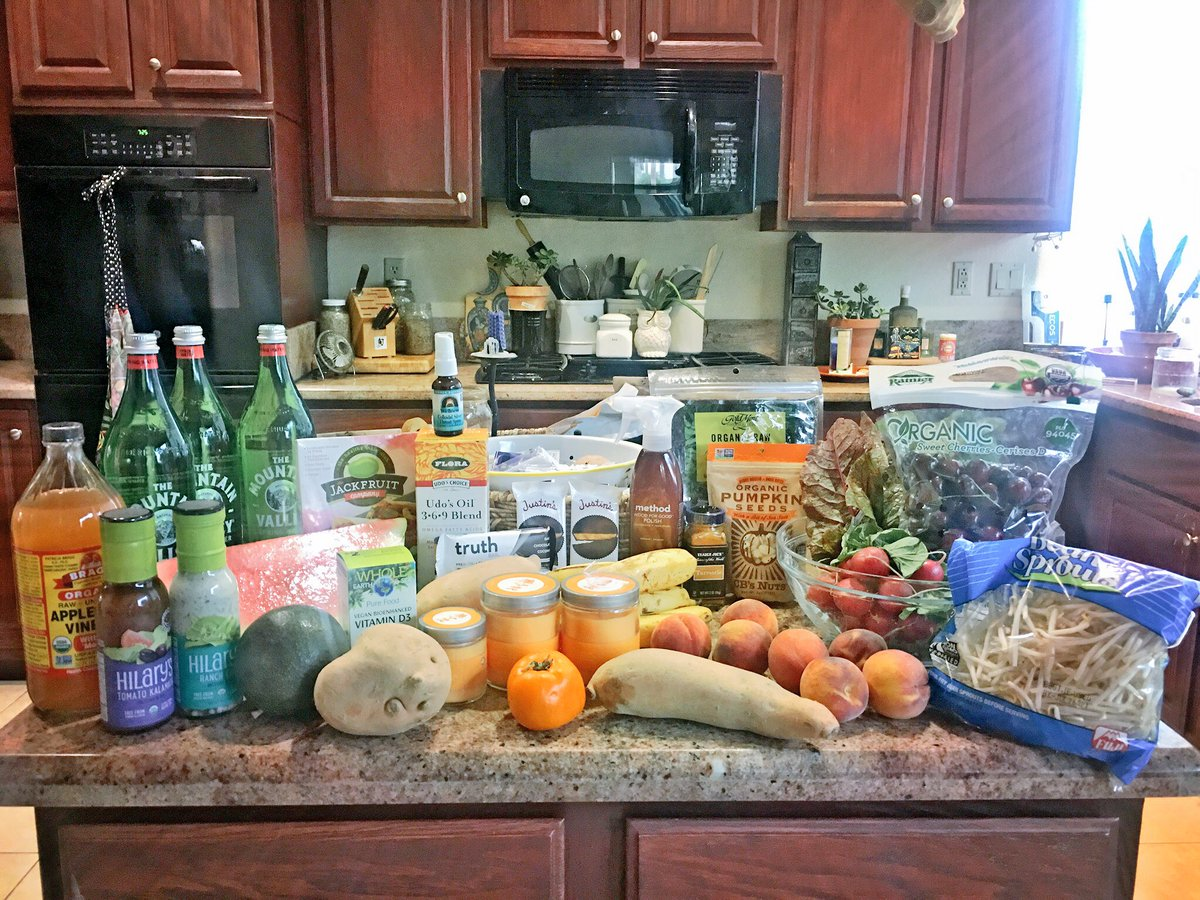 I just created an #organic #food #budget &amp; got ALL my #vegan #glutenfree food &amp; #supplements for a total of $120YAY! Not #expensive for  <br>http://pic.twitter.com/Dw75v0udOj