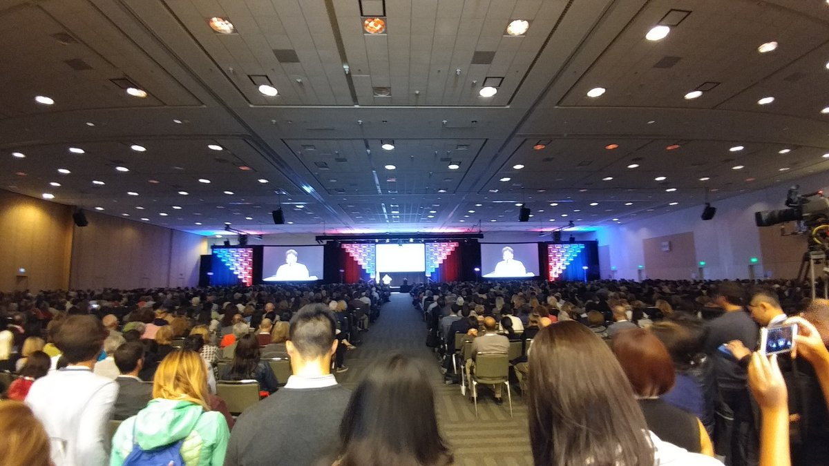 &quot;#Loneliness is the new smoking,&quot; declares @AARP&#39;s @JoAnn_Jenkins to a packed room at #IAGG2017 cc @innovationat50 @Aging20 #innovate #aging<br>http://pic.twitter.com/3EdIlvd9Ai