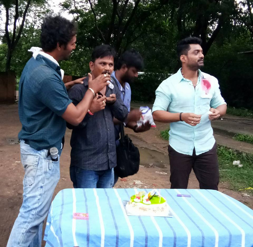@NANDAMURIKALYAN n @smkoneru  annaya on the sets of #MLA Birthday Celebrations of #Raju<br>http://pic.twitter.com/6JHsM5WAi5