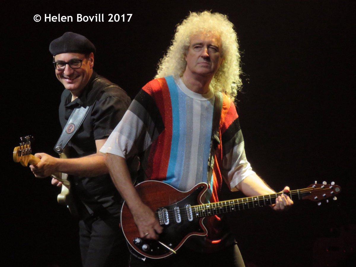PHOTO ALBUM UP ������ QUEEN + ADAM LAMBERT  Mohegan Sun Arena, Uncasville CT  Photo @HBovill https://t.co/BGECGsFXw6 https://t.co/gk3xGgCu11