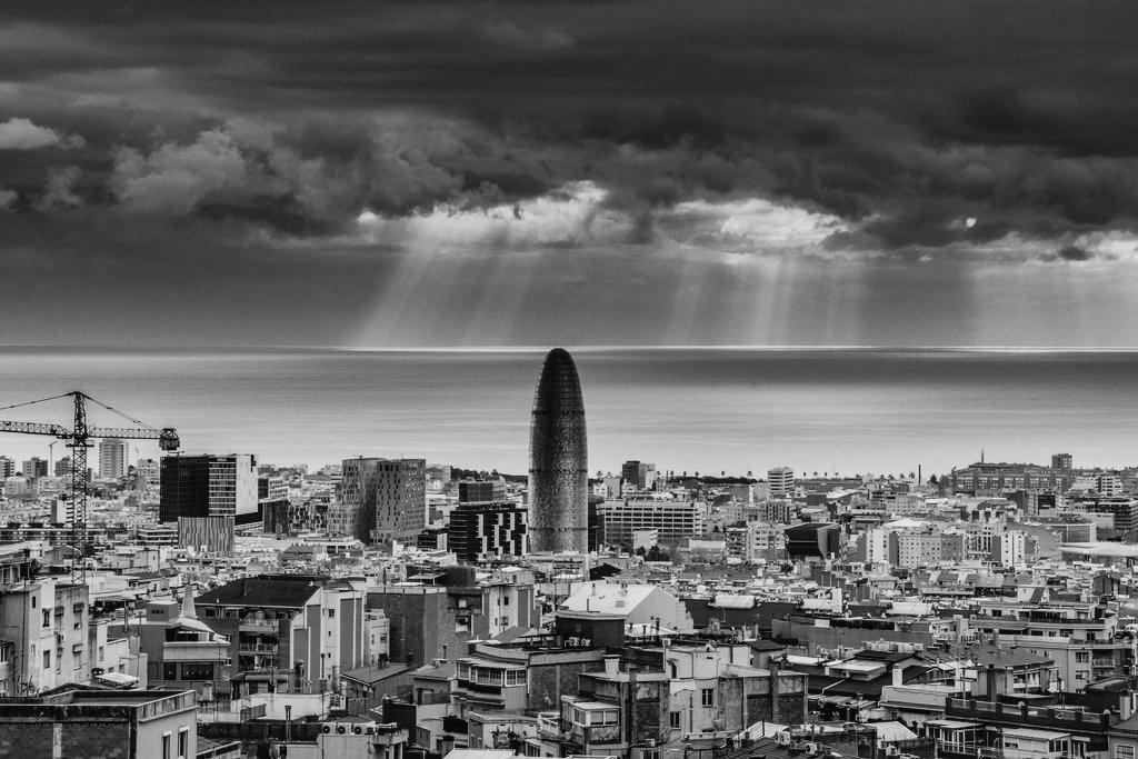Carrers posats. No regrets. Let&#39;s fight it! #Barcelona #BonDia  https://twitter.com/CharlesAlegret/status/888235817482760192/photo/1 <br>http://pic.twitter.com/zpgO2nOrQf  &nbsp;  <br>http://pic.twitter.com/BBZVH5byYD