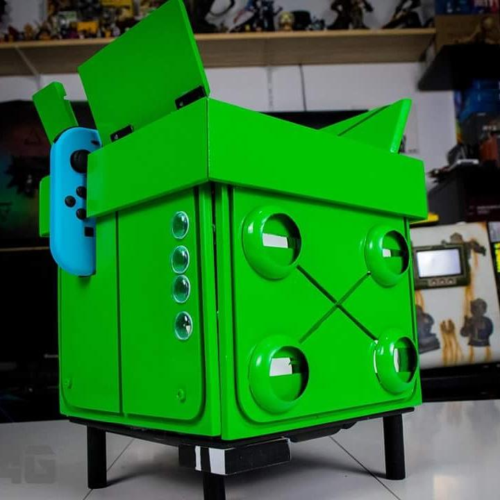 Meet Frank! The custom death squared switch dock!   @smgstudio  @SwitchIndie  #cute #modding #frank #Nintendo #Switch<br>http://pic.twitter.com/iLYy7kSuB0