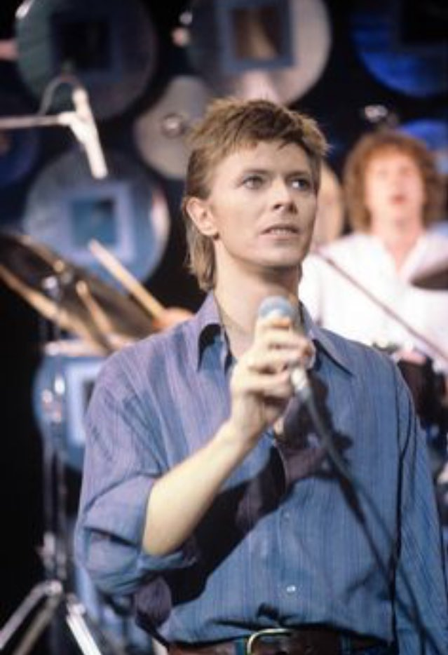 &#39;Cause we&#39;re lovers, and that is a fact Yes we&#39;re lovers, and that is that #DavidBowie    https:// m.youtube.com/watch?v=lRqxoM 7iqoY &nbsp; …   Have a good Monday <br>http://pic.twitter.com/CtxPsAOVNJ