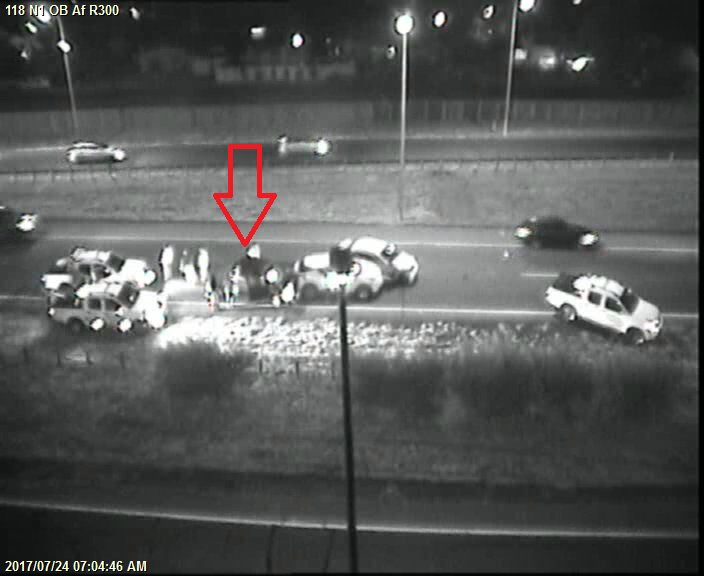 #Crash N1 Inbound at R300, right lane closed, expect delays. #BoozeFreeRoads #RBT<br>http://pic.twitter.com/slggkWZx4d