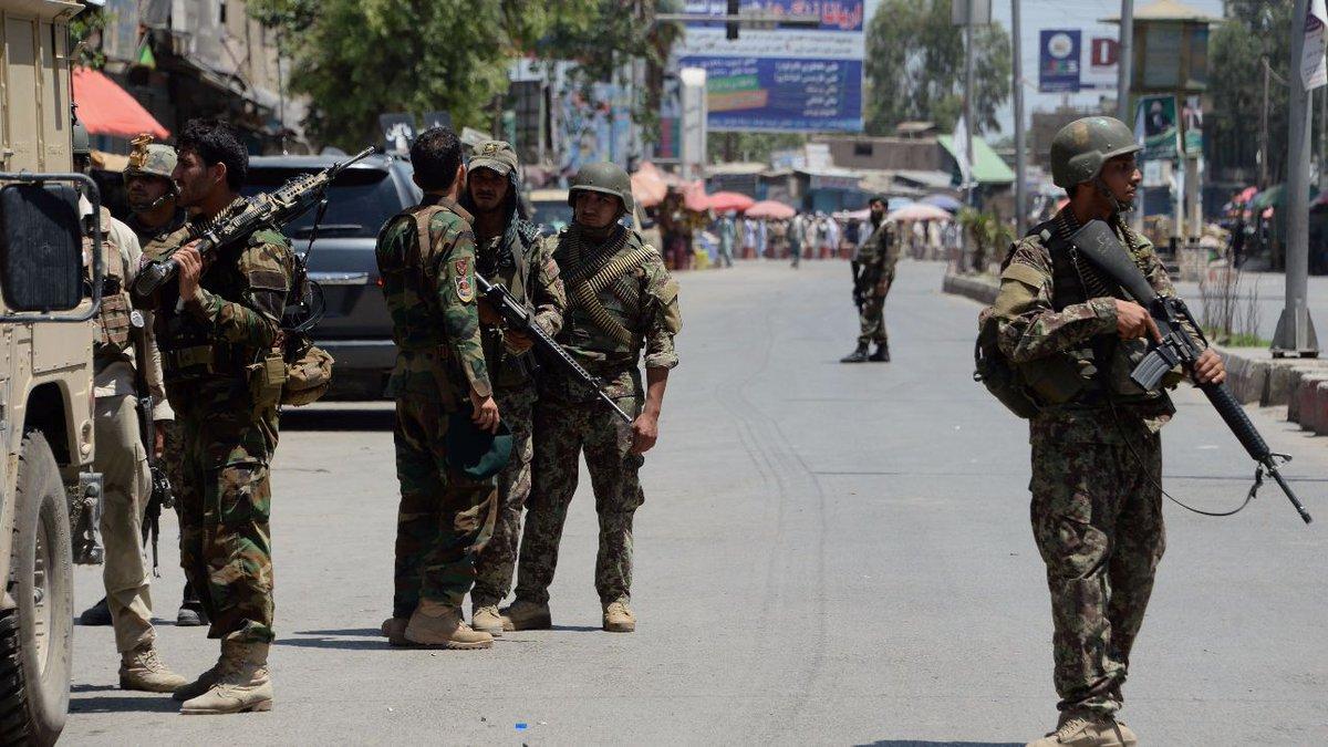 Autobomba esplode a Kabul, almeno 24 morti e decine di feriti #afghanistan https://t.co/AP1wYXOkZm
