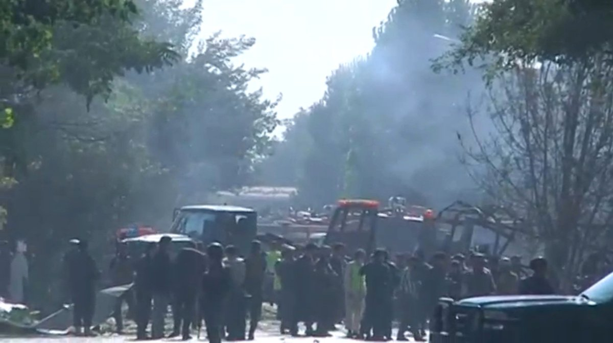 A suicide bomber set off a car bomb in Kabul, killing at least 24 people  https://t.co/cpLx4T3YHz