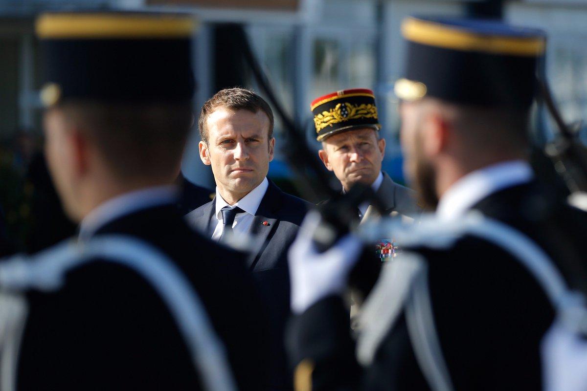 'Chute très sérieuse', 'Image écornée' : la presse peu élogieuse ce lundi suite à la baisse de popularité de #Macron https://t.co/yFxbroGEVv