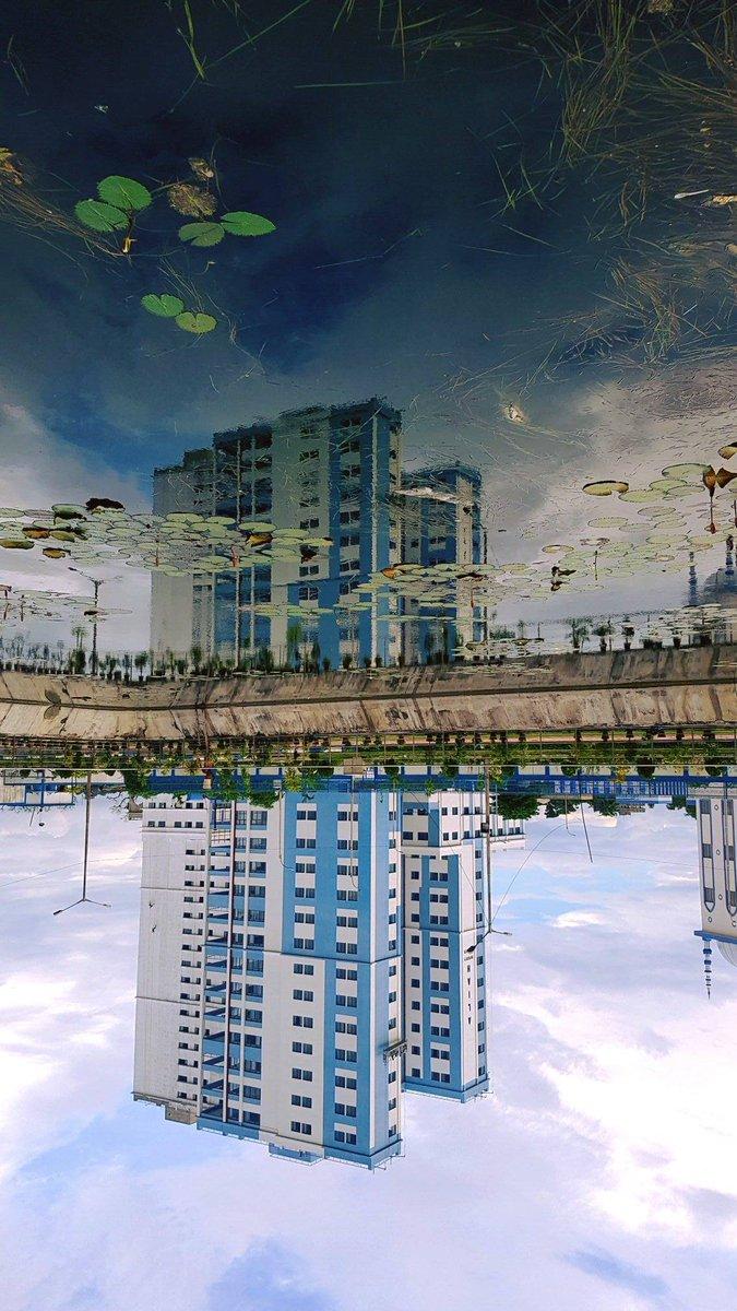 Reflection.... #rainy #kolkata #ohkolkata #FOLLOTRAIN #FolloMe #follo4follo #FolloForFolloBack #follobackinstantly    http://www. ohkolkata.com  &nbsp;  <br>http://pic.twitter.com/NJ1mIvVNeg