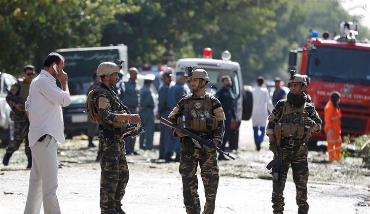 #Internacional Pelo menos 24 civis mortos e 42 feridos em atentado suicida em Cabul https://t.co/rnsjJqsLYP Em https://t.co/MDmhqgtnSp