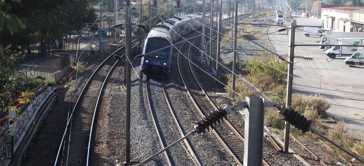 Un homme, qui se dit SDF, a agressé sexuellement une jeune femme dans un train allant de #Menton à #Fréjus via @nicematin