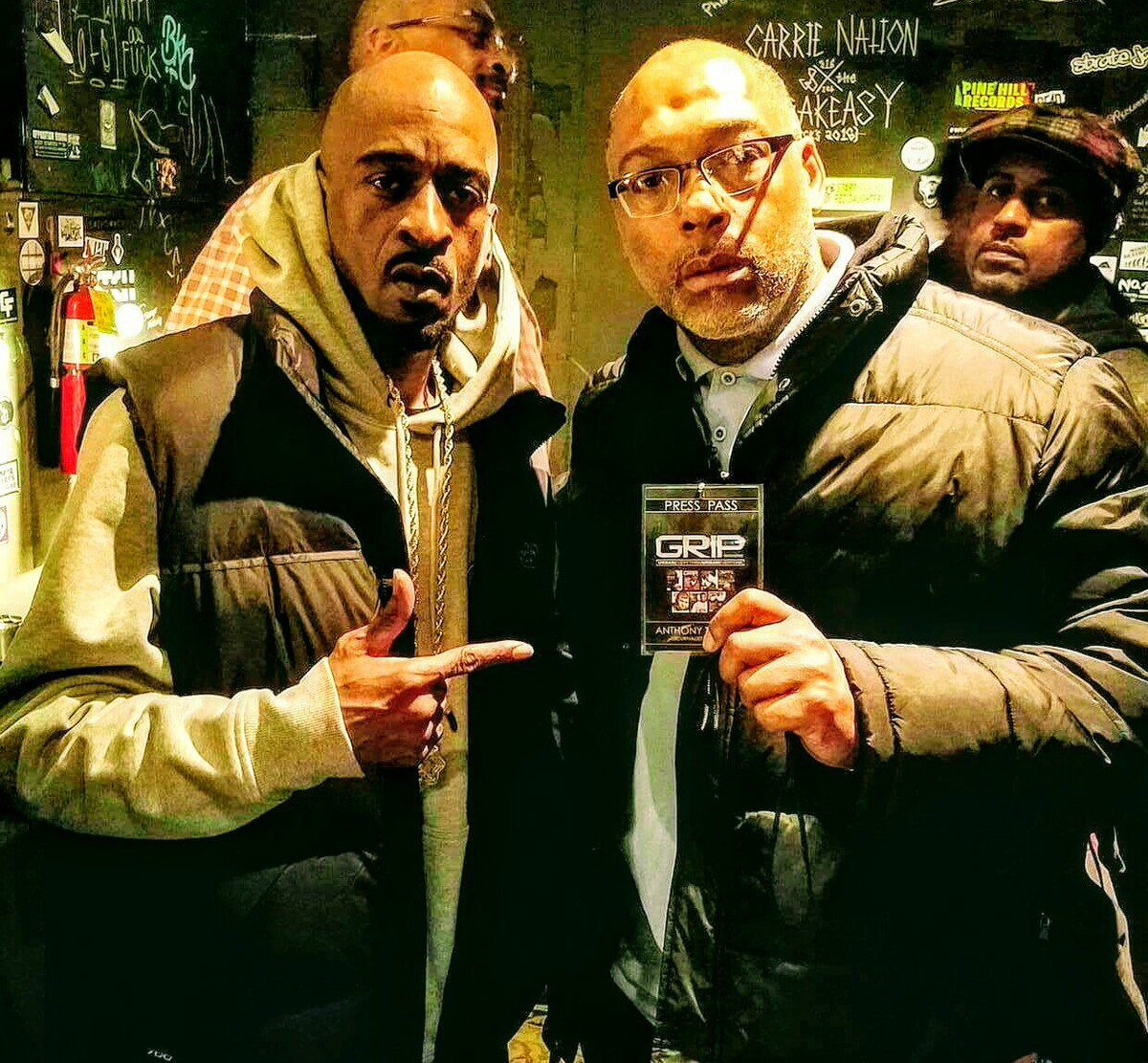 A pic of myself with the legendary #Rakim of @EricBandRakim in #MN..Big shoutout @gripmagonline and @realmrmusic<br>http://pic.twitter.com/snAc9o3v28