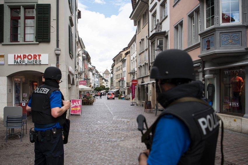 Schweiz: Angreifer verletzt fünf Menschen in Schaffhausen https://t.co/uqPy0vcz06