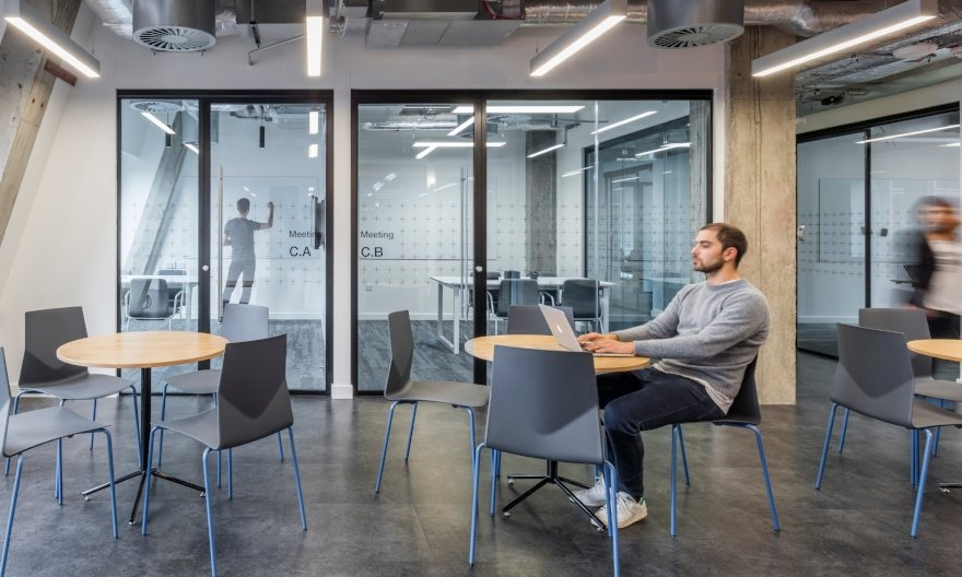 #Entrepreneurs in #London: we invite you to visit our new workspace for tech #scaleups at Angel. Schedule a tour&gt;&gt;  http:// hubs.ly/H088kjV0  &nbsp;  <br>http://pic.twitter.com/lz57bYpZCE