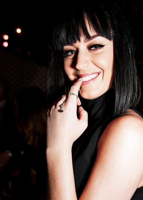 OMG SHE IS SO SO WONDERFUL #KatyCats #KatyPerry #witness