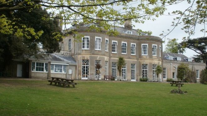 Poole\'s Upton Country Park and house renovation plan