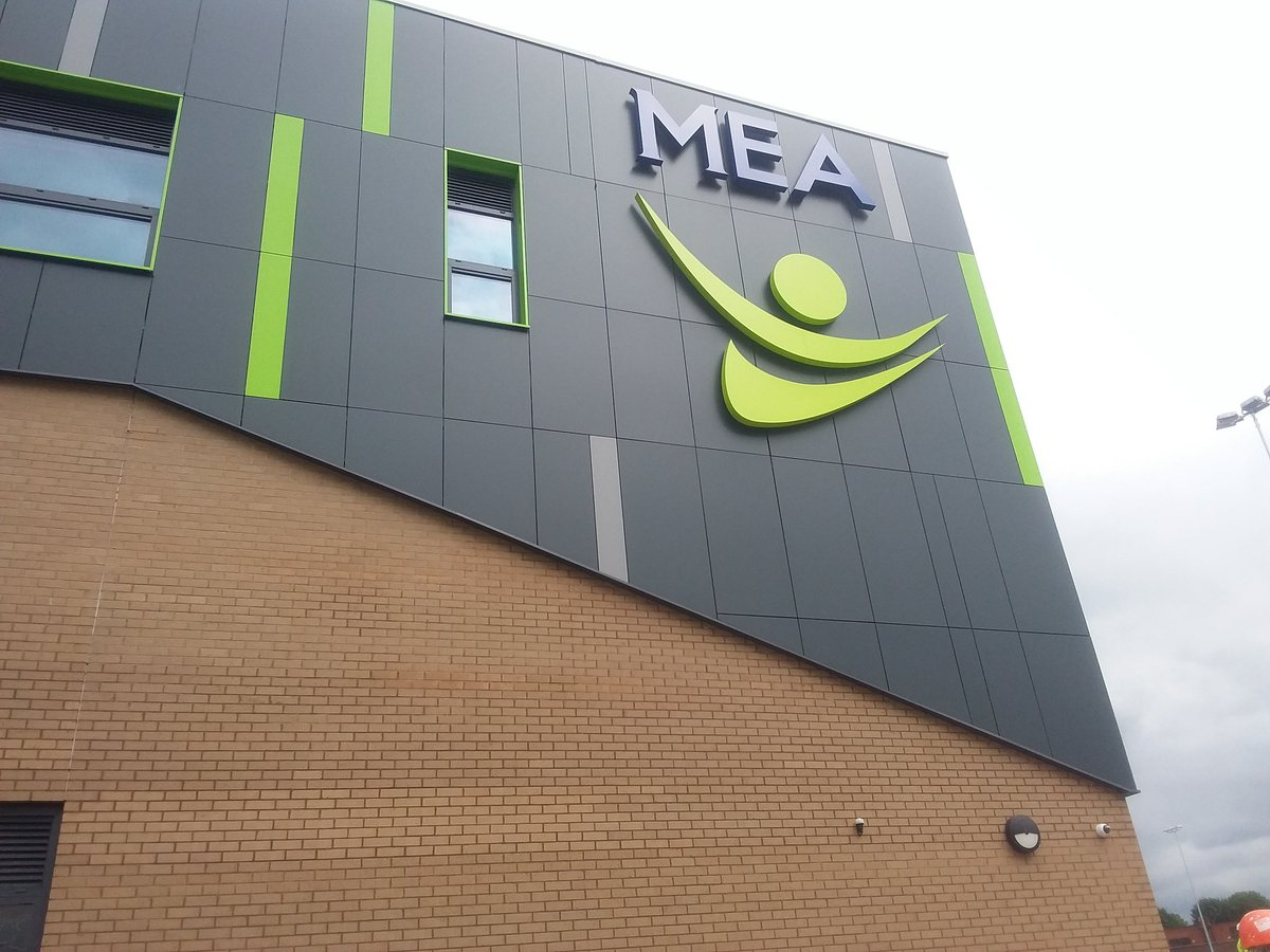 The new sign is complete! #MEA #sign #school #standingout<br>http://pic.twitter.com/ttuiKWcHQy