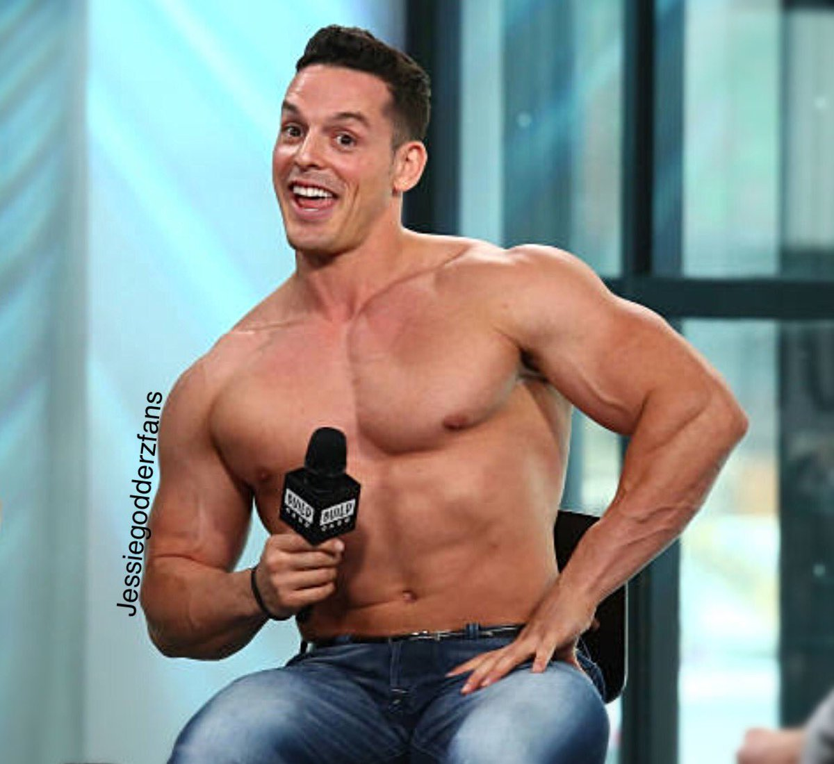 #Monday has us like @MrPEC_Tacular<br>http://pic.twitter.com/Csmba2OXrb