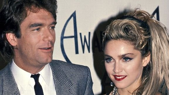 Huey Lewis and Madonna at the 1985 American Music Awards #80s #Madonna #HueyLewis<br>http://pic.twitter.com/06a0OVoewl