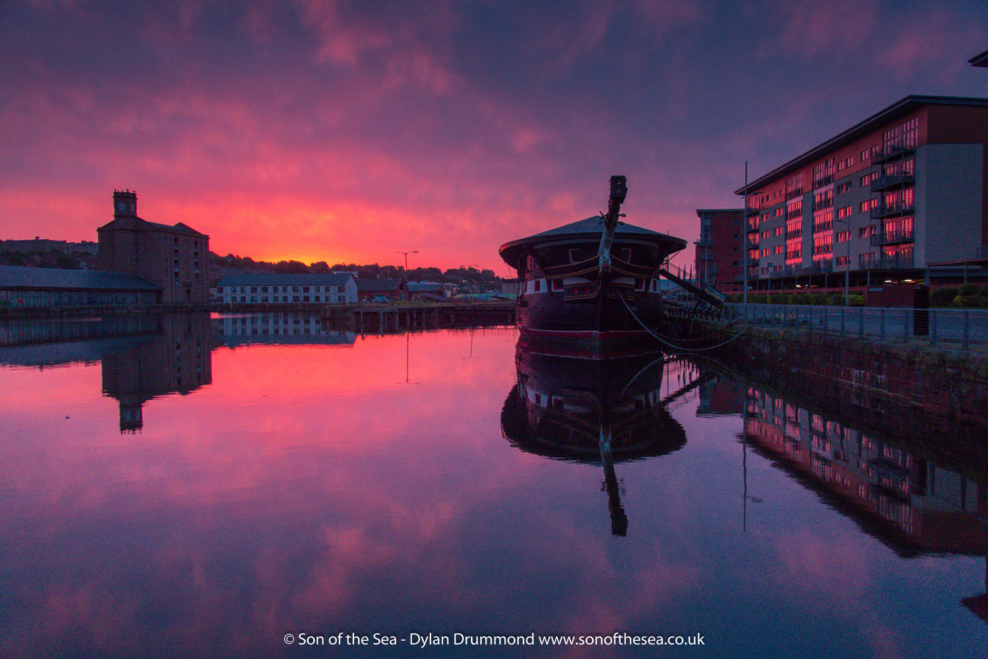 @Creative_Dundee One of my favourite spots in Dundee has to be the setting for @FrigateUnicorn  at City Quay. So much to see! #dundeeguide https://t.co/z34WLwFUfr