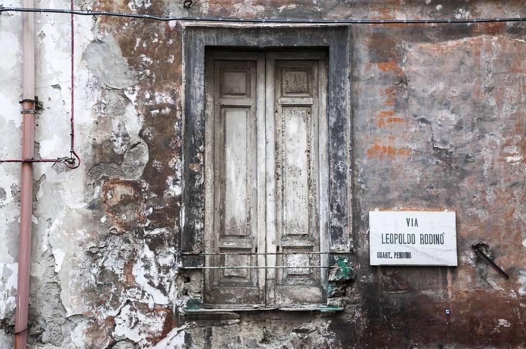 Window. Naples. May 2016. #architecture #europe #europe_gallery #igerseurope #ok_europe #naples #ok_italy #leopoldorodino #picoftheday #por… <br>http://pic.twitter.com/nX7AAmbCc4