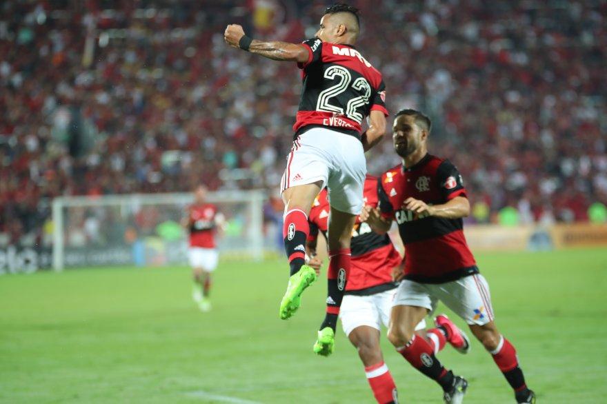 Semana importante com jogos decisivos. Quarta-feira tem Copa do Brasil! Vamos, Flamengo!