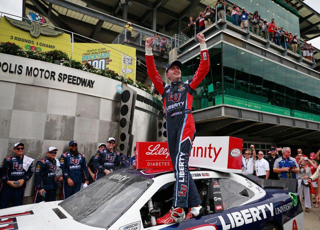 #NASCAR XFINITY Rookie William Byron Holds Off Paul Menard in Brickyar...
