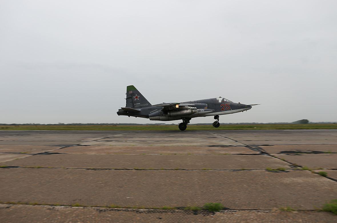 تعرف على النسخه الاحدث من مقاتلات Su-25 ..........المقاتله Su-25 SM3 DFgPRILXcAIWDCa