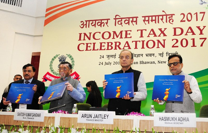 Finance Minister  @arunjaitley releases the coffee table book, on the occasion of the #IncomeTaxDay Celebration 2017, in New Delhi <br>http://pic.twitter.com/gQI807jWES