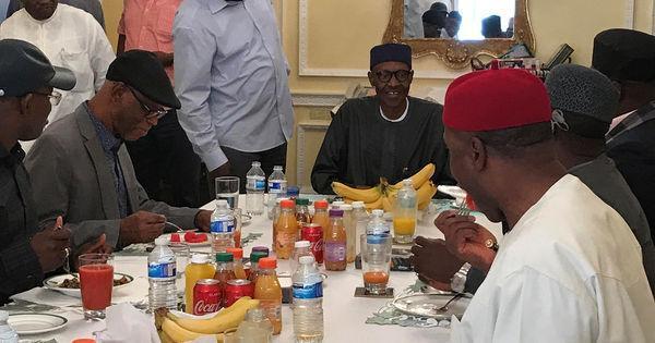 Une photo du président Buhari pour rassurer les Nigérians https://t.co/WpcKycxACl