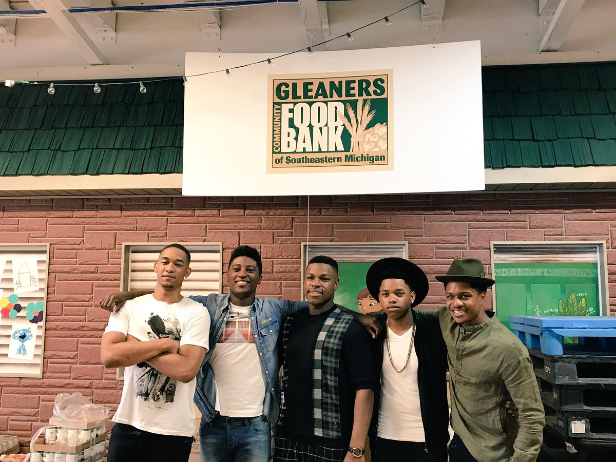 Inspirational morning with the cast of #DETROITmovie at @Gleaners. htt...