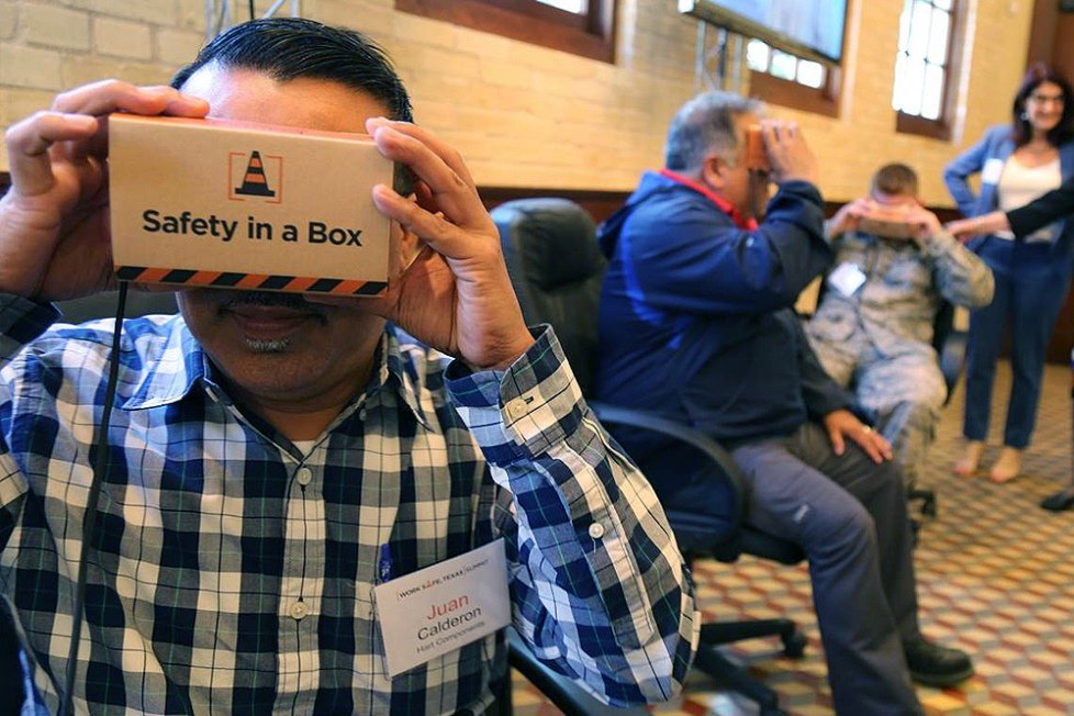 You don't fall off a building and live to tell about it. How companies are adapting #VR to workplace safety training https://t.co/rZQenci8sC