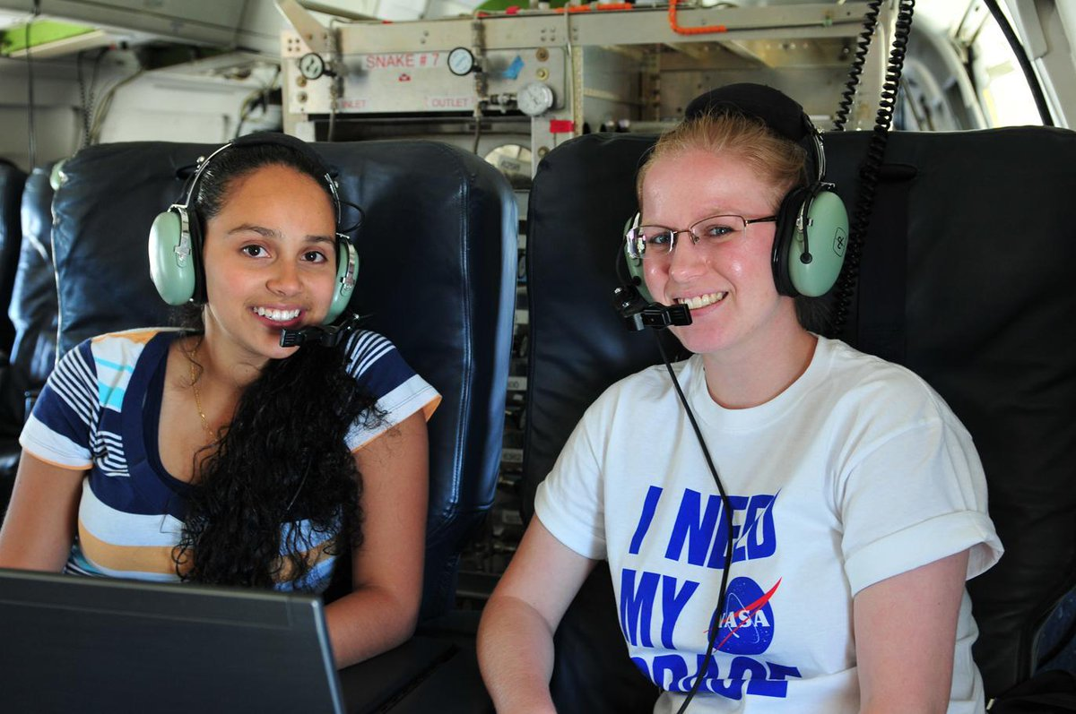 Ready to be a #NASA intern? Spring 2018 applications are open right now! What are you waiting for? #STEM #Diversity  http:// bit.ly/2tDXQOh  &nbsp;  <br>http://pic.twitter.com/JPpOhkN9pg