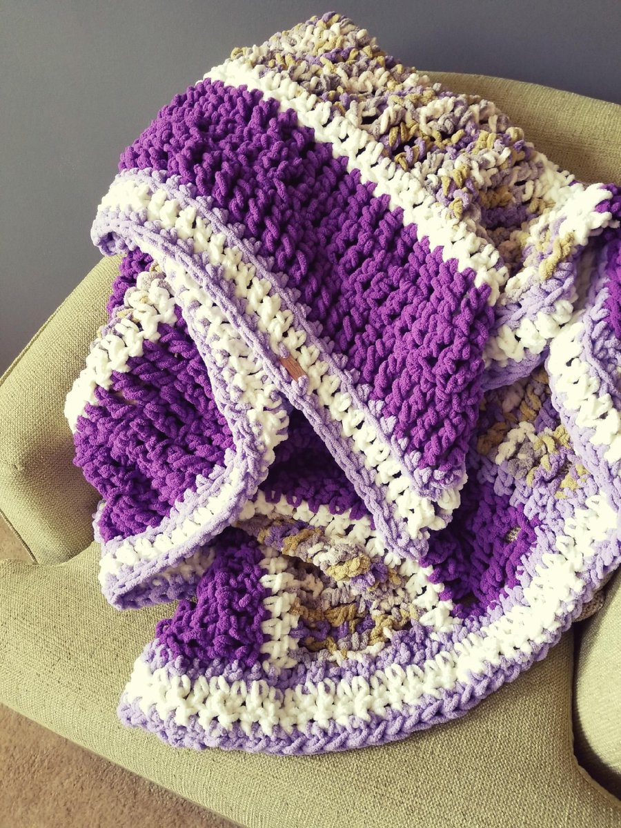 New blankets are here and they&#39;re sooo soft!     http:// buff.ly/2uoSQuc  &nbsp;    #crochet #etsy #handmade #blanket #family #love #winteriscoming<br>http://pic.twitter.com/bSbqg0jRBb
