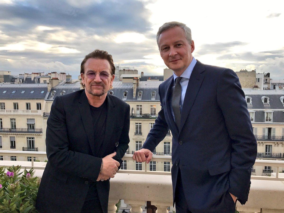 Heureux de rencontrer Bono qui lutte par son engagement avec @ONE_Fr en faveur de l'aide au développement et pour plus transparence fiscale.