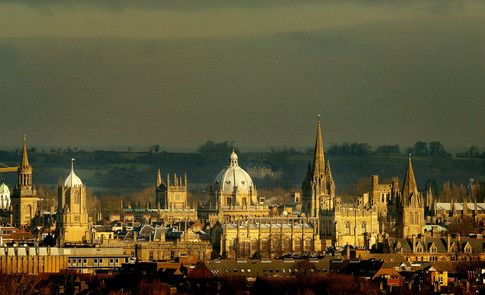 These are the world&#39;s best universities to study #economics  http:// wef.ch/2usYT0L  &nbsp;    #education<br>http://pic.twitter.com/cNIihTRCyp