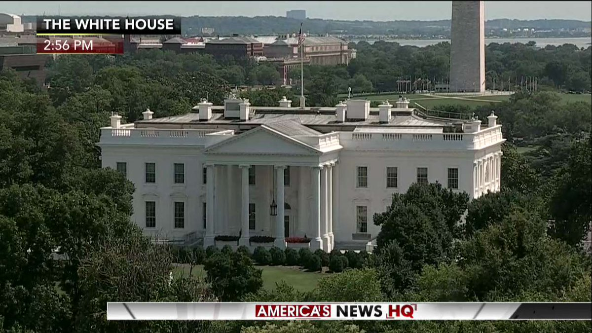 AWAITING: @POTUS delivers a statement on health care from the White House.  LIVE BLOG: https://t.co/wNGrhiEOAj