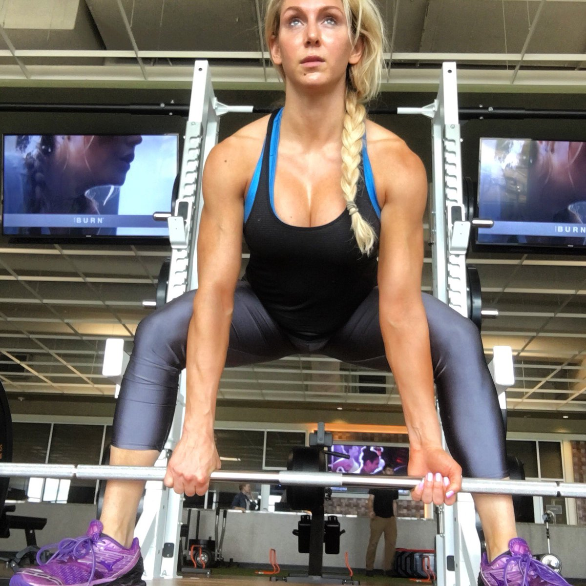 I don't just talk the talk. @MogyApp 🏋️‍♀️ @HardNocksSouth #SDLive htt...