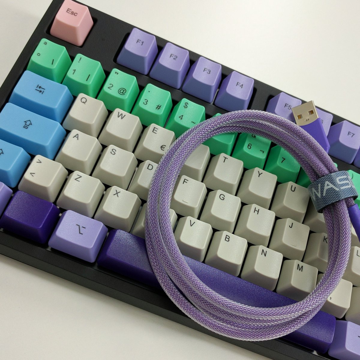 Wasd Keyboards On Twitter Spanishsymbols With Matching Cable