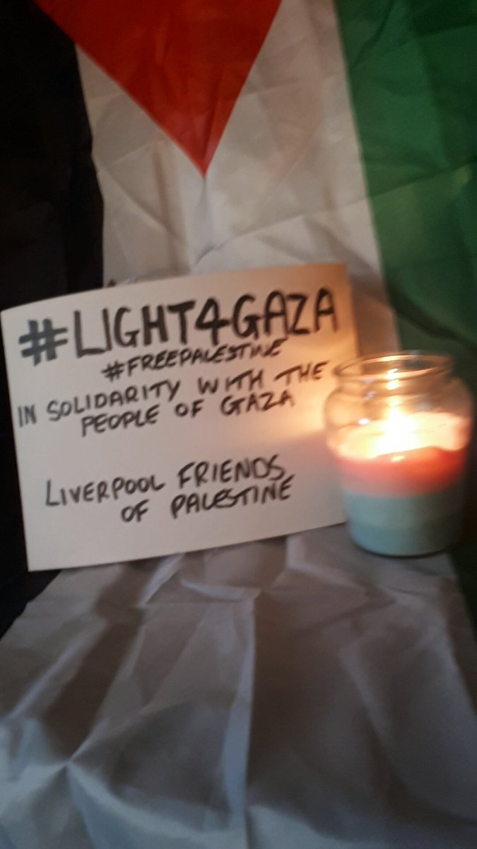 #Light4Gaza #freepalestine We stand in #Solidariy with the people of #Palestine <br>http://pic.twitter.com/bK5lpbbhzJ