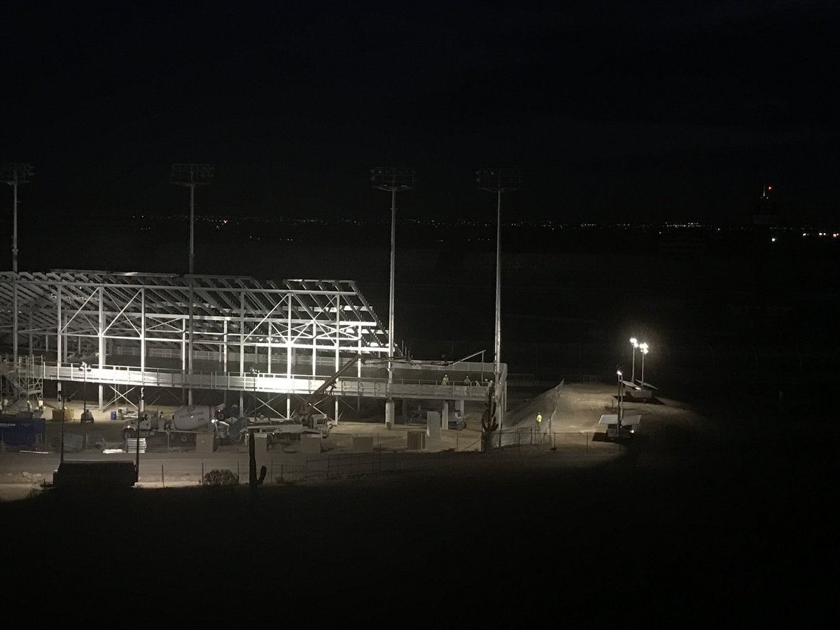 Our #solar light towers illuminate work at @PhoenixRaceway, a $178M modernization project changing how power is delivered in #construction.<br>http://pic.twitter.com/IaP85BZuyF