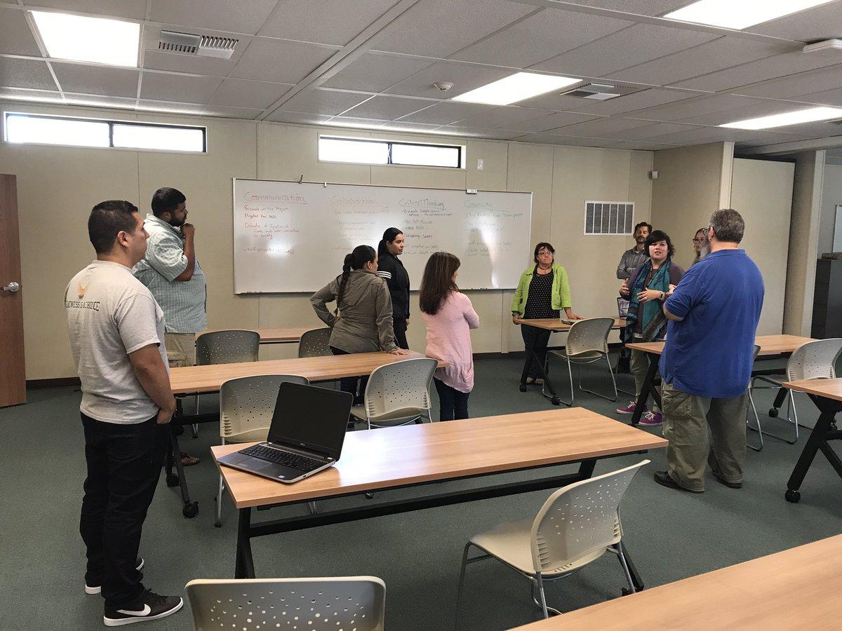 Breaking down the 4C&#39;s #creativity #criticalthinking #Communication #collaboration #alisalstrong #Alisalfuerte @cristina_cerv @TeacherLora<br>http://pic.twitter.com/KWmXazytnN